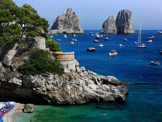 Bella Capri! One of my favorite places on Earth & I get to see it from my apartment every day!