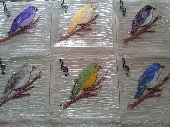 lot de 6 assiettes oiseaux peintes  par mes soins et cuites au four