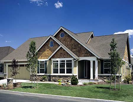 Traditional house plans and craftsman on pinterest for Traditional craftsman house plans