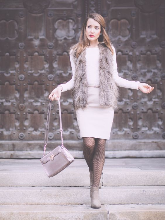 http://www.thefashionrose.com/2015/10/romantic-look-in-shades-of-nude-and-brown.html The Fashion Rose. Elegant in nude and brown shades. Fake fur vest by H&M. Pencil skirt by H&M.