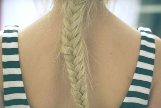 Love the fishtail braid!! I actually just figured out how to do this last night! I need lots of practice practice practice!!