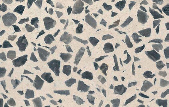 Concreto é tendência e ganha imitações perfeitas - Casa O piso de granilite, da Grani-torre, combina massa de mármore, calcário, quartzo e cimento. Por 86 reais, o m² aplicado.