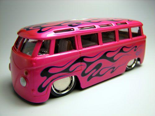 KEWO'S ROD&CUSTOM VW BUS (JADA)