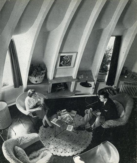 Imágenes de los apartamentos de la Pedrera. Imagen extraída del libro BARBA CORSINI Arquitectura Architecture 1953-1994.: