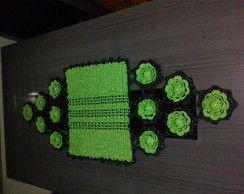 trilho de mesa verde com preto