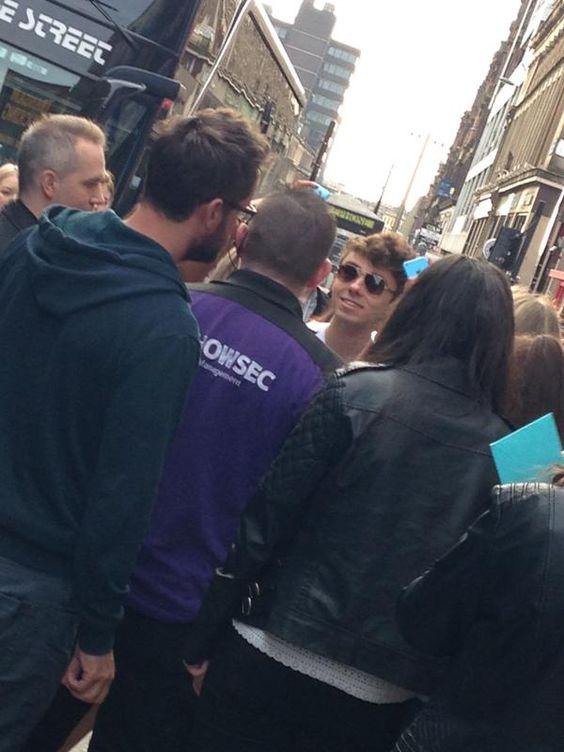 Nathan em Glasgow, na Escócia. (via @jdbtrinity) #CoberturaTWBR