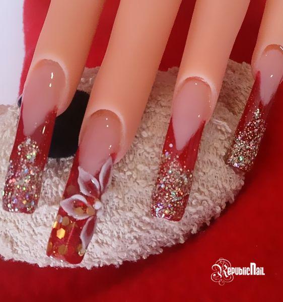¿Qué tal este diseño de uñas para las fiestas navideñas? Diseño realizado por Lesli