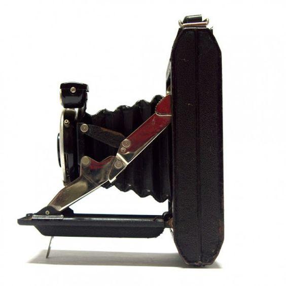 Máquina fotográfica analógica vintage de fole 6x9 de fole Kinax ...