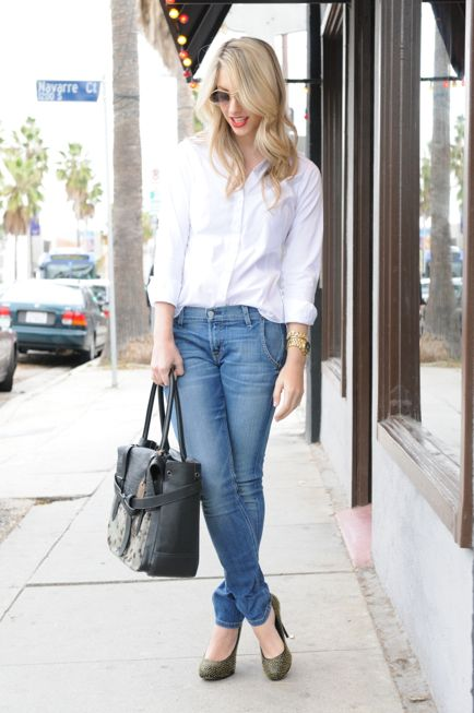 white button down and skinny jeans, yes.