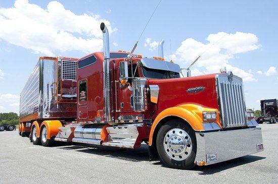Trucking: Trucking Driving School