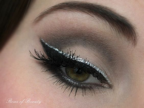 Roses of Beauty: 5 AMU-Ideen mit Glitterliner