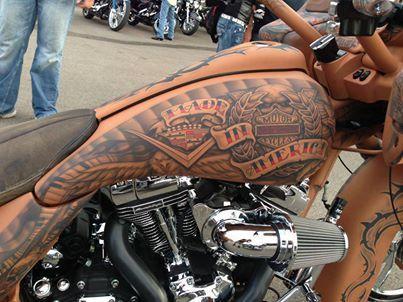 Slick tattoo bagger.