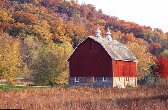 Along the Historic Bluff Country National Scenic Byway. Details of this scenic drive: http://www.midwestliving.com/travel/minnesota/historic-bluff-country-national-scenic-byway-minnesota/