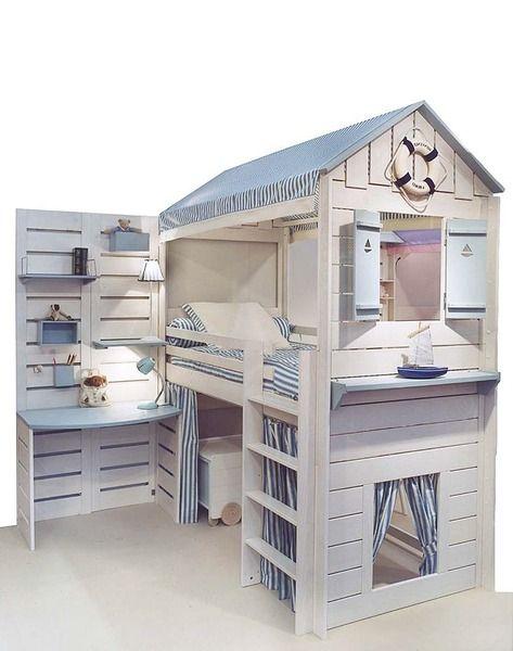 Preciosa habitacion marinera con cama, zona de juego, estudio hecha de pallets con muy buen gusto...: