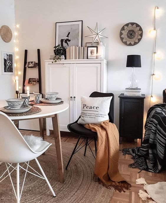 10 Cozy Living Room Ideas That Prepare You For The Winter Season Budget Home Decorating Home Decor Hacks Cozy Home Office