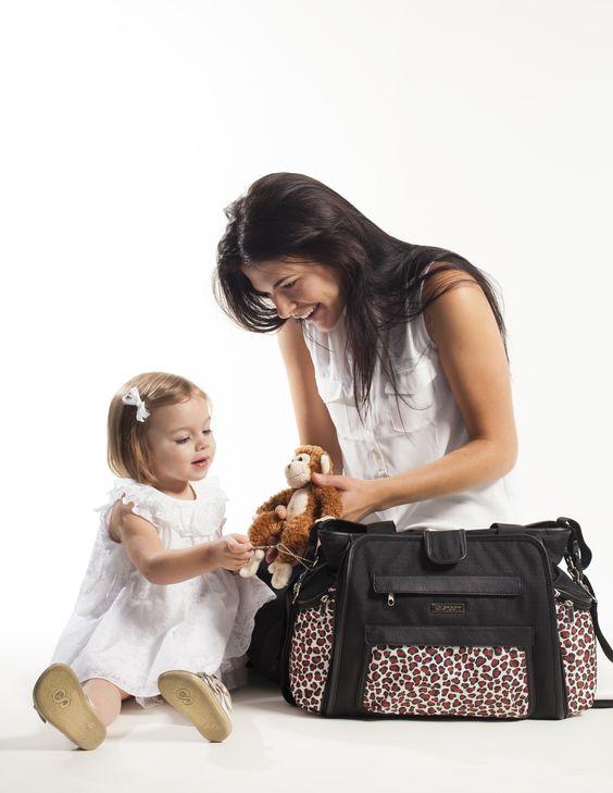 Enter to win $200 to Kalencom to score a fashion-forward diaper bag! #win #giveaway