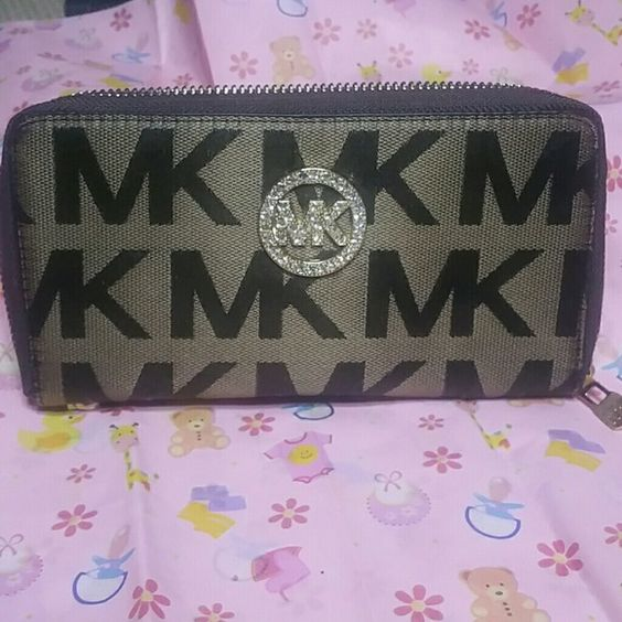Cute wallet Amazing quality, new inspired Michael Kors Bags Wallets