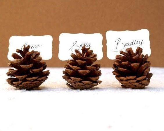 Découvrez nos meilleures idées déco pour votre table de Noël ! Les marques-places