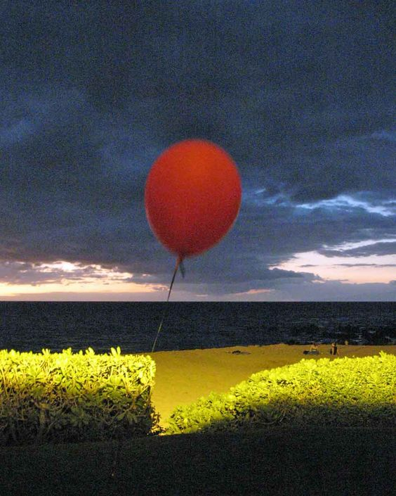 red balloon, maui 2008  unretouched single exposure photograph