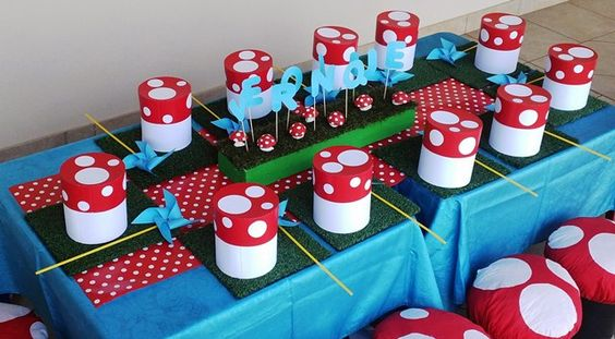 Smurf Party Table
