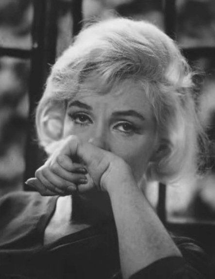 vintage everyday: The Last Photos of Marilyn Monroe by Allan Grant, 1962 THIS PHOTO MAKES ME SAD. BLESS HER HEART.