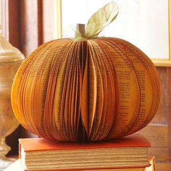 Unique paper pumpkin centerpiece, genius!