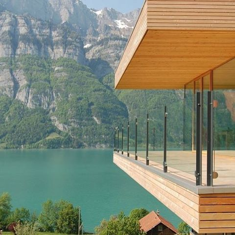 Who wants to spend the week-end here? #holidays #home #modern #moderndesign #design #architecture #picoftheday #homebyme #homesweethome #homedecor #decor #interiordesign #relax #zen #inspiration #instalike #amazing #tagsforlike #seaview #sea #holiday #lake #canada