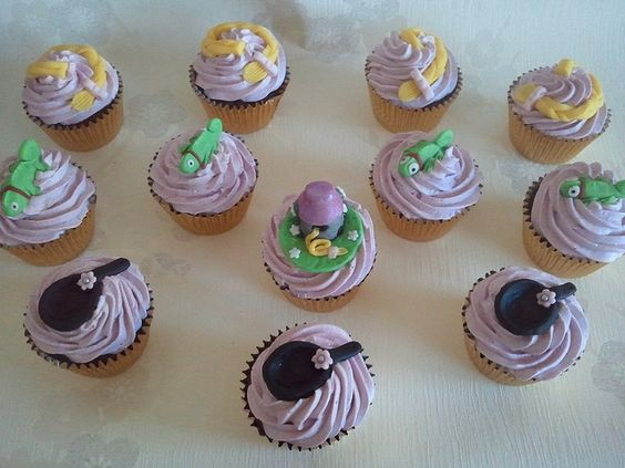 Tangled / Rapunzel Cupcakes  by Sweetpea cakes and Treats, via Flickr