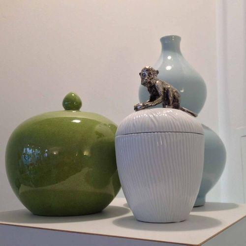 Decorative jar white with monkey | desiary.de - identity store