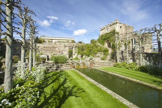 Valentina S Luxury Self Catering Near Bath Wiltshire Castles And Grand Abodes Pinterest Wedding Venues Bridal Boutique