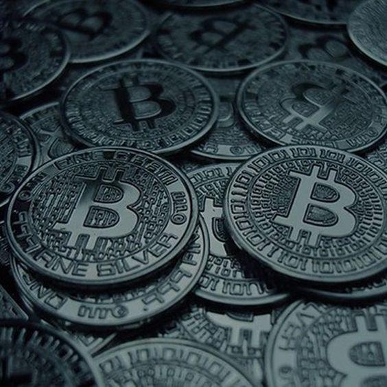 cât de mult este 100 bitcoin