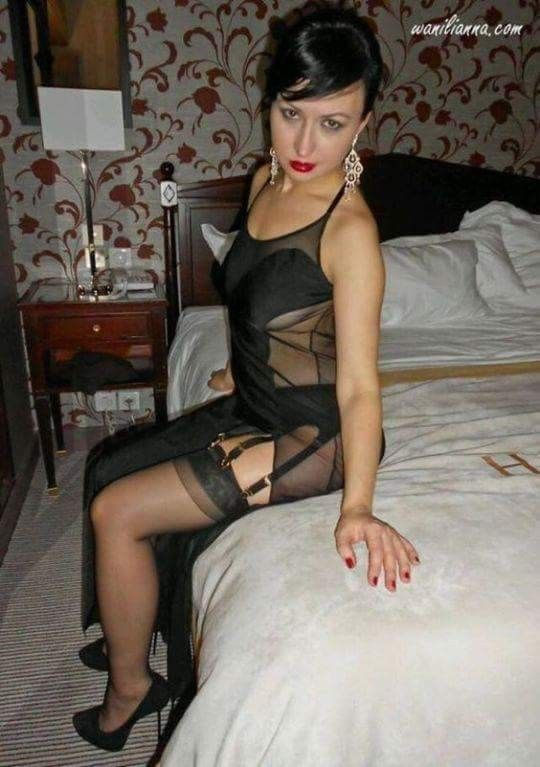 Sexy dark latina boobs