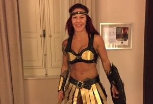 Cris Cyborg revela fantasia que usará no desfile da Acadêmicos da Rocinha
