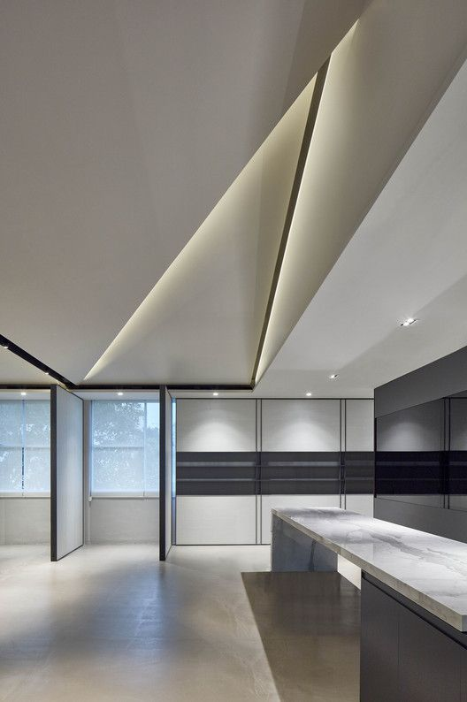 Gallery Of List Sotheby S Singapore Office Scda Architects 5 In 2020 Scda Architects Modern Interior Design Interior Design Singapore