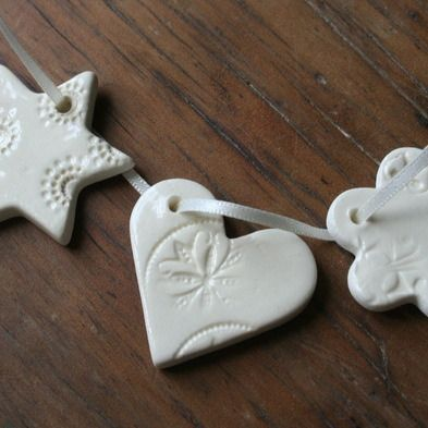 paper boat press — 5 pack - stars, hearts or flowers with vintage button pattern