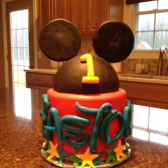 Mickey theme bday cake I made :)