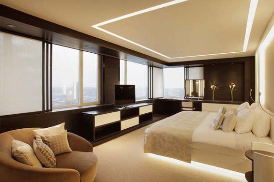 The Hotel Splendour Suite, Dit hotel gelegen op de de Louizalaan heeft prachtige suites die ruim, licht en modern zijn. Vanuit het raam heeft men een prachtig uitzicht op de skyline van Brussel