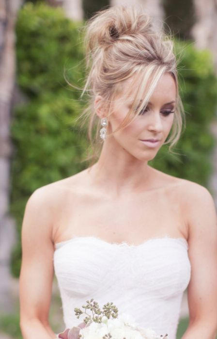 Wedding hairstyle idea; Featured Photographer: Melissa Jill Photography