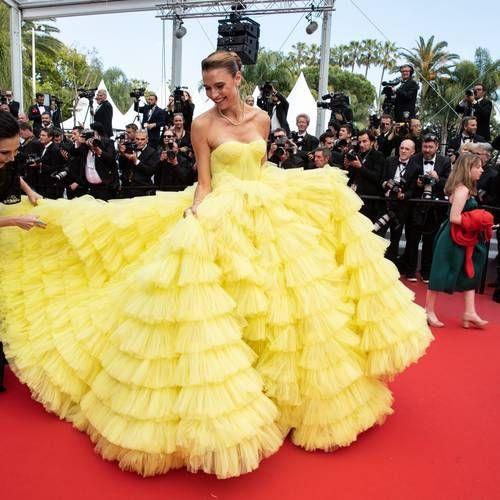 Photos Cannes 2019 Fernanda Liz A Eu Besoin De Beaucoup D Aide Pour Eviter L Accident De Robe Sur Le Tapis Rouge Wedding Outfit Hollywood Red Carpet Dresses