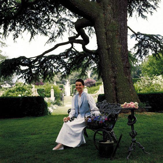 Audrey Hepburn, 1990 - Gardens of the World