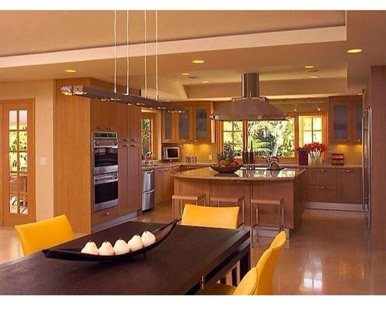 This kitchen and dinning room !