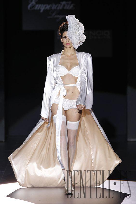 Emperatriz Herbst/Winter 2010-2011 - Dessous - http://de.dentell.es/fashion/lingerie-12/l/emperatriz-1927