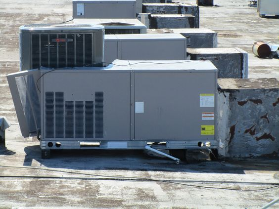 AIR CONDITIONING COIL THEFT IN HOUSTON TEXAS . CARRIER ROOFTOP PACKAGE UNIT POWERED BY TRANE NICE WORK !!!