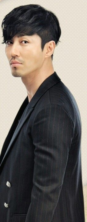 Cha Seung Won. Seriously this man gets better looking every year, by the time he's 50 I'm sure he'll be illegal (based of course on the premise that nothing that good looking could possibly be legal):