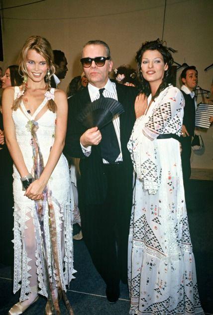 Claudia Schiffer, Karl Lagerfeld & Linda Evangelista backstage at Chanel (1993)