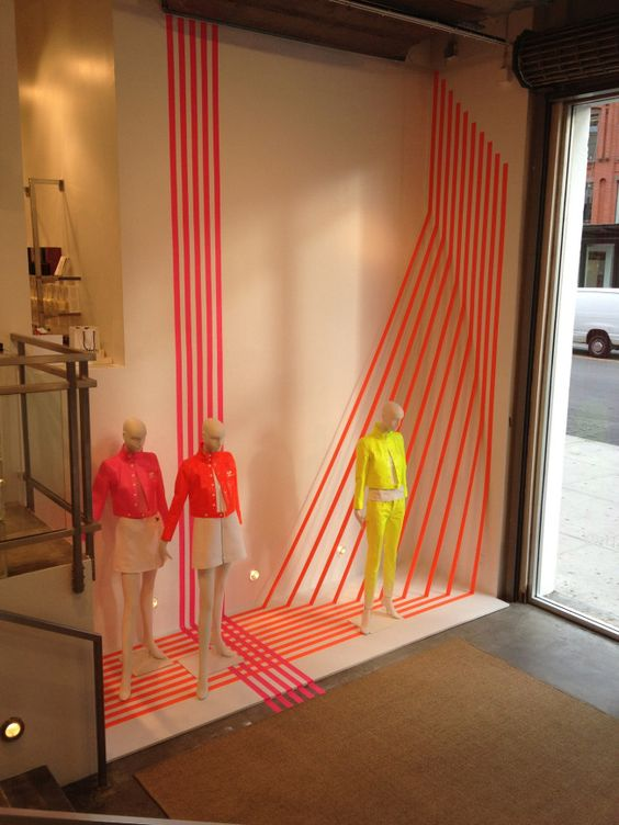 Vertically Curved Base Pedestal Showcase with Glass Top ... |Curved Line Display Visual Merchandising