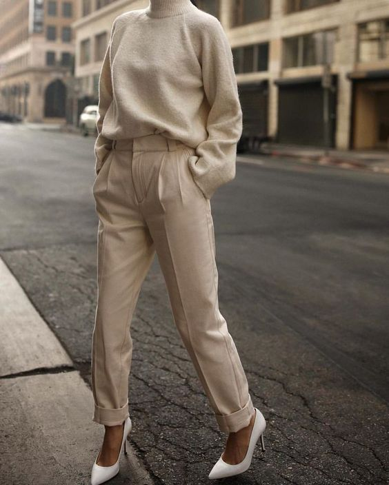 I love the monochromatic style of this look. Beige is such a classy color. #Styl...,  #beige #classy #color #love #monochromatic #Styl #style,
