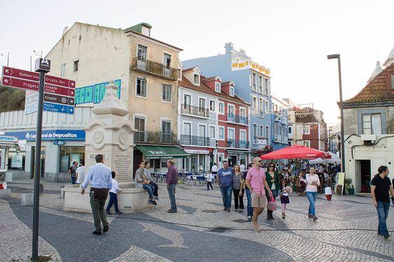 Rua Cândido Reis em Almada, Portugal
