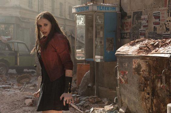Blitzkriegerin: Als Scarlet Witch feuert Lizzie Olsen tödliche Strahlen ab