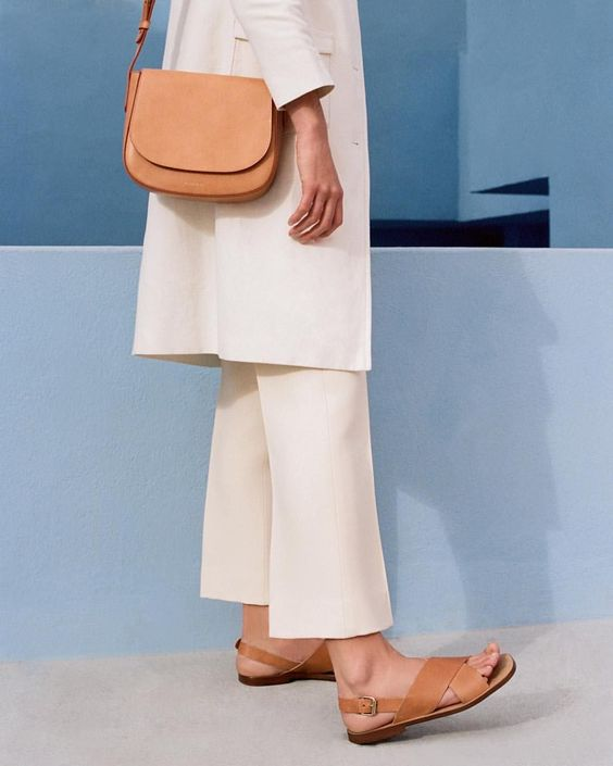 SAKS LIMITED TIME SPECIAL! MANSUR GAVRIEL, MARC JACOBS & MORE BAGS UP TO 70% OFF!